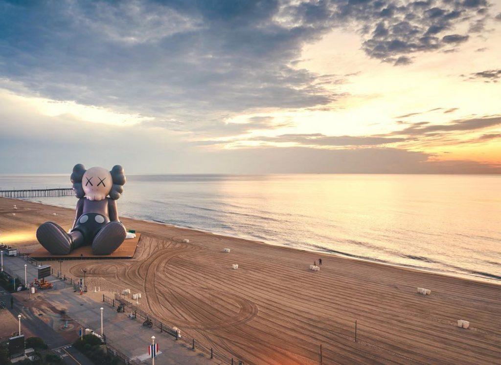 KAWS HOLIDAY virginia beach | Collater.al