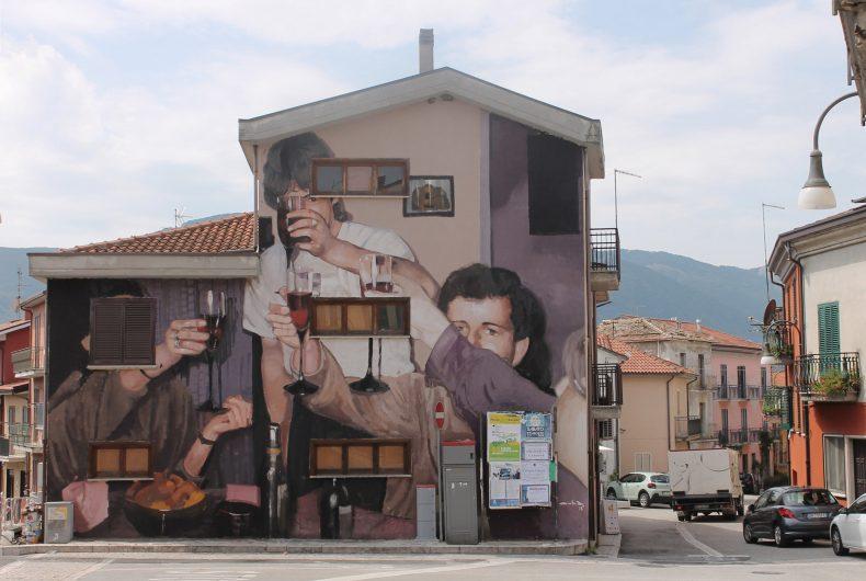 Mohamed L'Ghacham, le foto di famiglia diventano murales