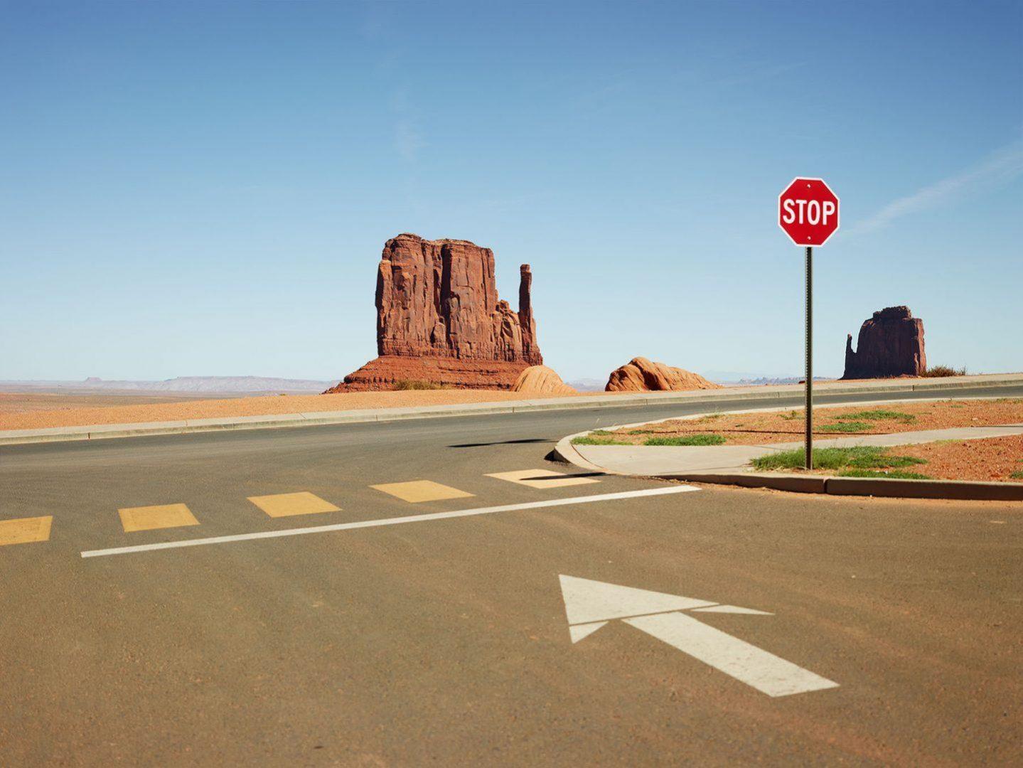 Josef Hoflehner immortala il vuoto nella serie fotografica Roadside America