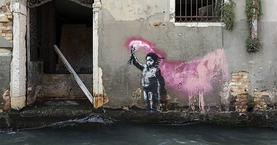 Banksy rivendica l'opera apparsa in un canale a Venezia