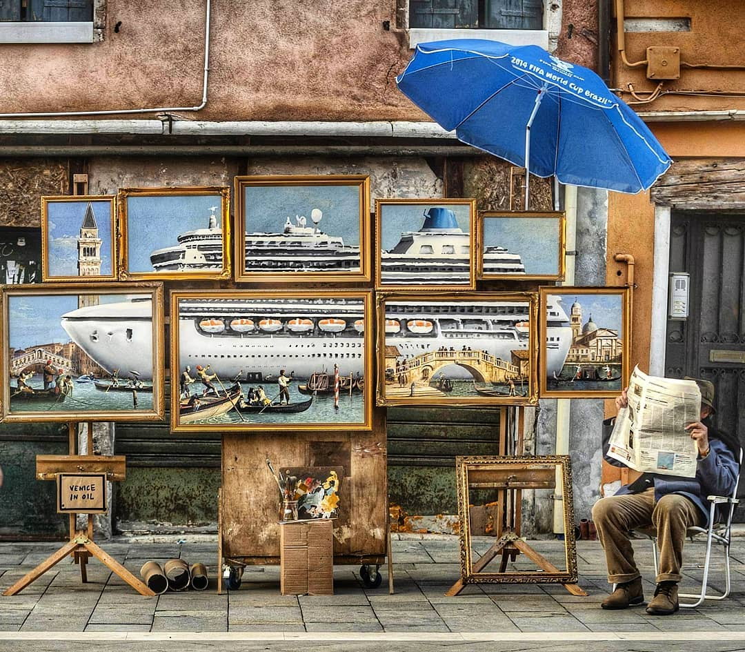 Banksy si autoinvita alla Biennale con la sua opera Venice in Oil