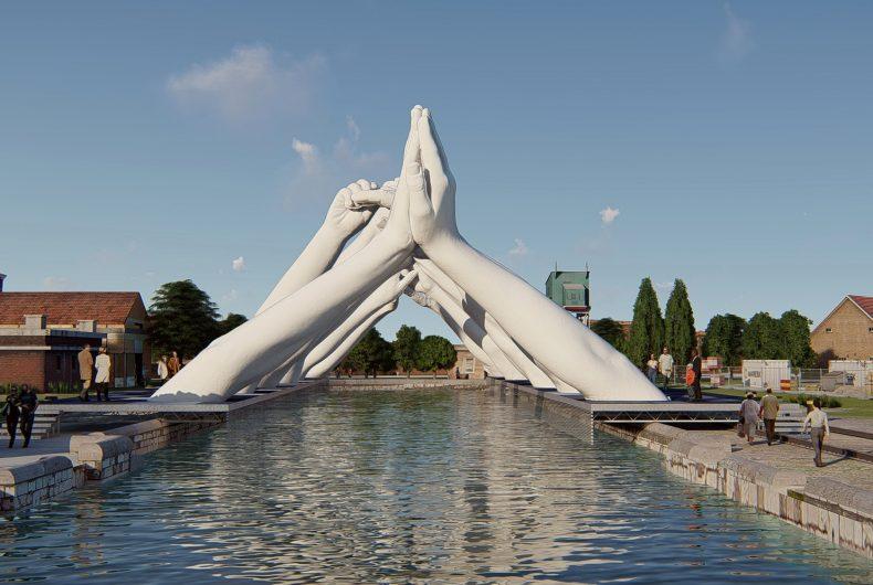 Building Bridges, Lorenzo Quinn for the Venice Biennale