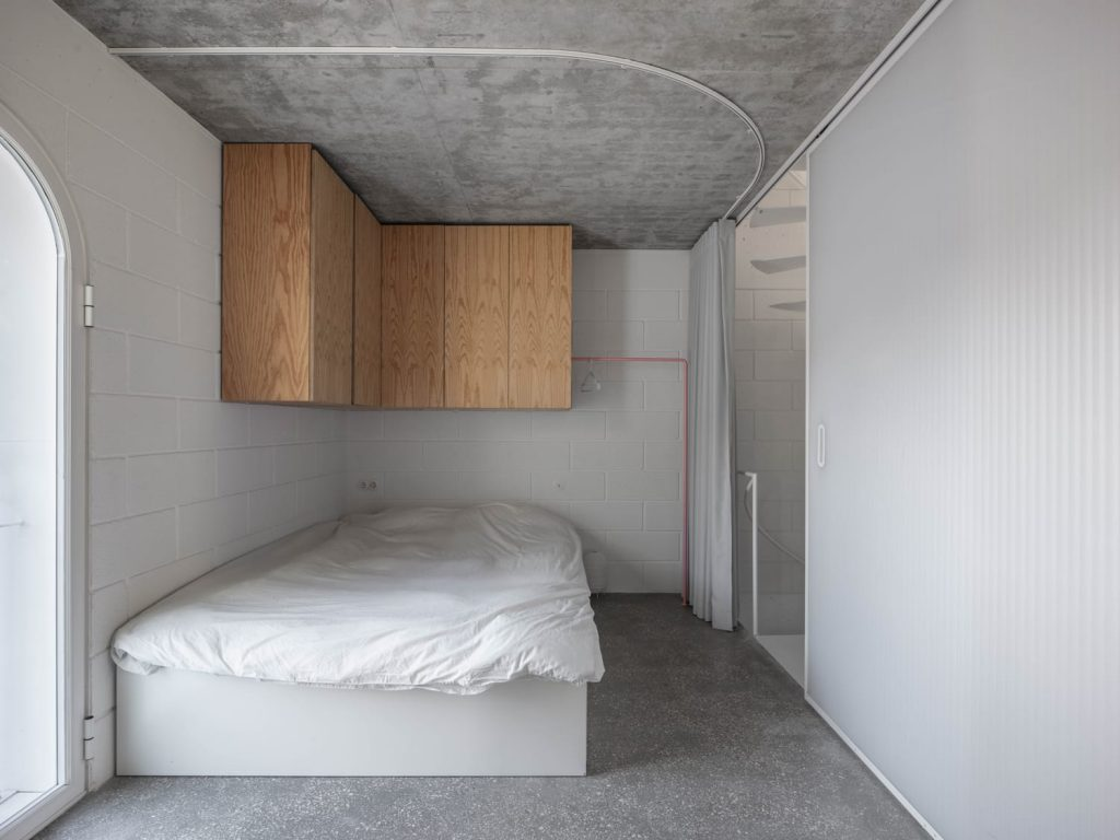Dodged House | Collater.al