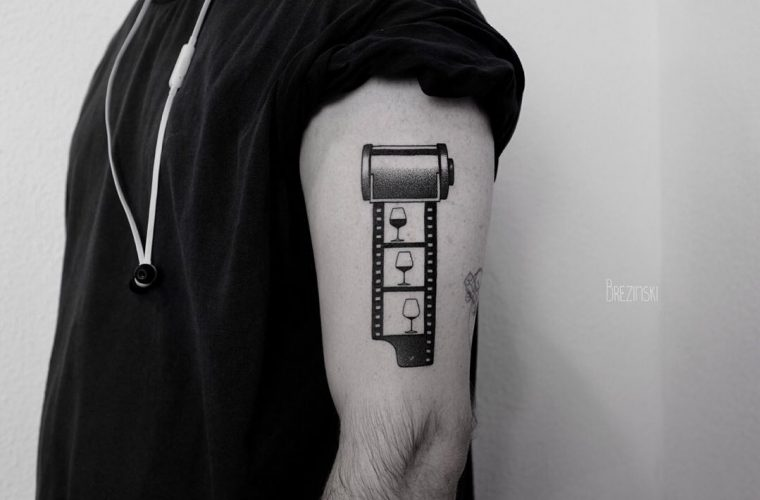 Puntinismo e Surrealismo si fondono nei tatuaggi di Ilya Brezinski