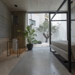 La casa moderna con piscina firmara Architrend Architecture | Collater.al 13