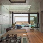 La casa moderna con piscina firmara Architrend Architecture | Collater.al 14