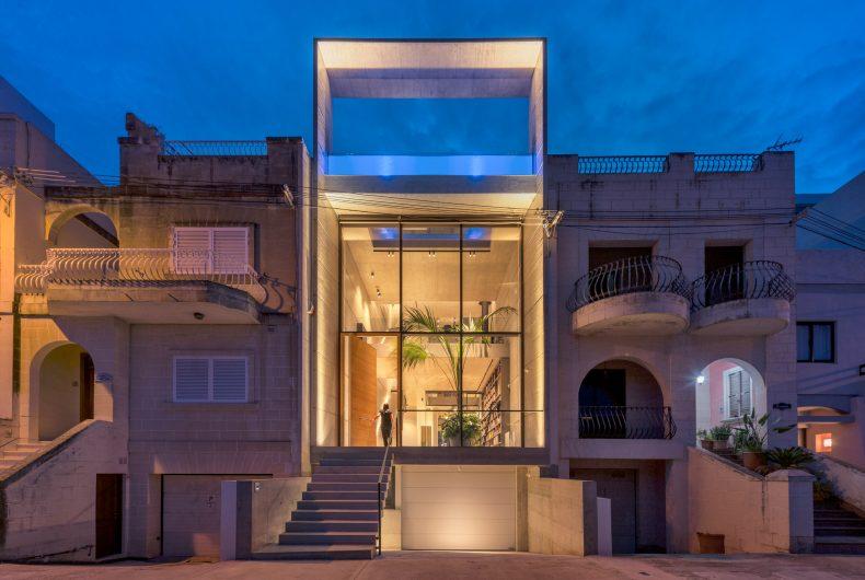 La casa moderna con piscina firmata Architrend Architecture