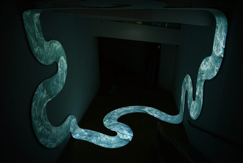 Lupanar, the infinity in the installation by Nicolas Tourte