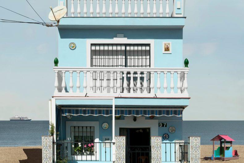 Malaga – Paracosmic Houses, i collage solitari di Katharina Fitz