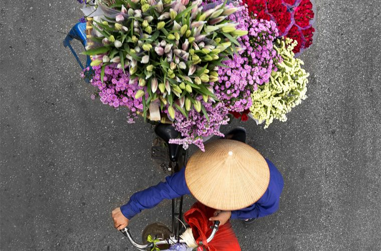 Vendors of Vietnam, Loes Heerink's photographic series that captures the ordinary