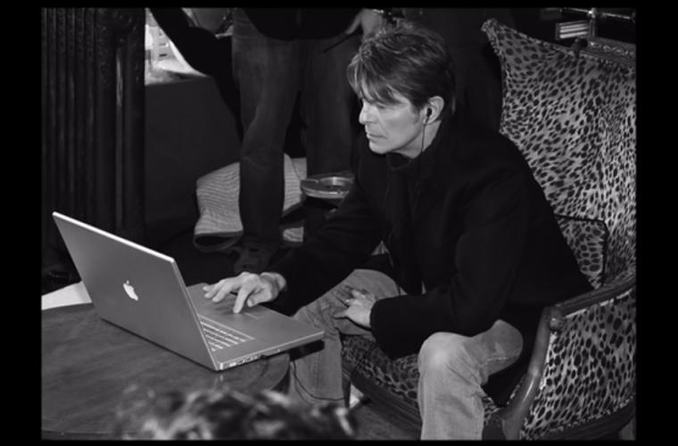 Behind The Music, l'ultimo spot Apple che rende omaggio alla musica britannica