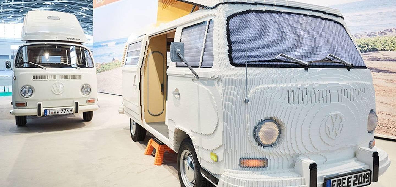 Il Camper Volkswagen completamente costruito con i LEGO