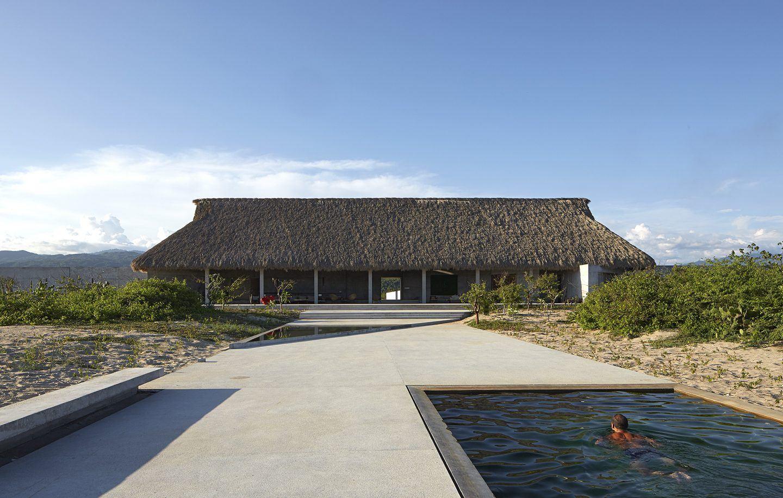 Casa Wabi, il paradiso Zen per gli artisti e la comunità