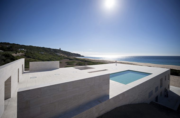 House Of The Infinite, la perfetta casa sulla spiaggia