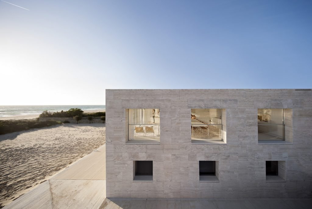 House of the Infinite | Collater.al