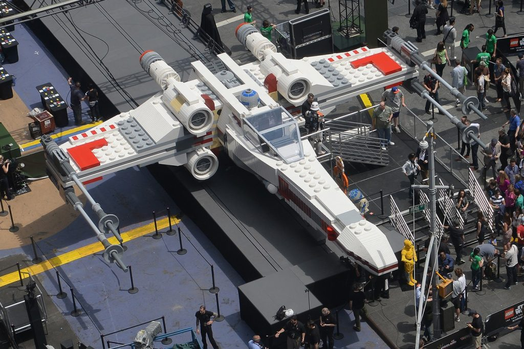 "Paris Air Show: costruito con i Lego il jet ""X-Wing"" di Star Wars 