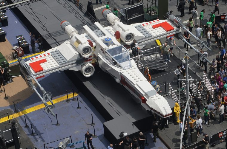 "Paris Air Show: costruito con i LEGO il jet ""X Wing"" di Star Wars"