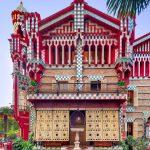 Un-passo-allinterno-dell'eclettica-Casa-Vicens-di-Gaudí-Collateral-9