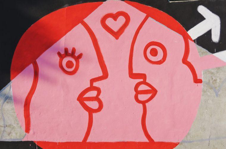 Per andare Oltre le Mura, basta disegnarci sopra l'amore libero e concreto