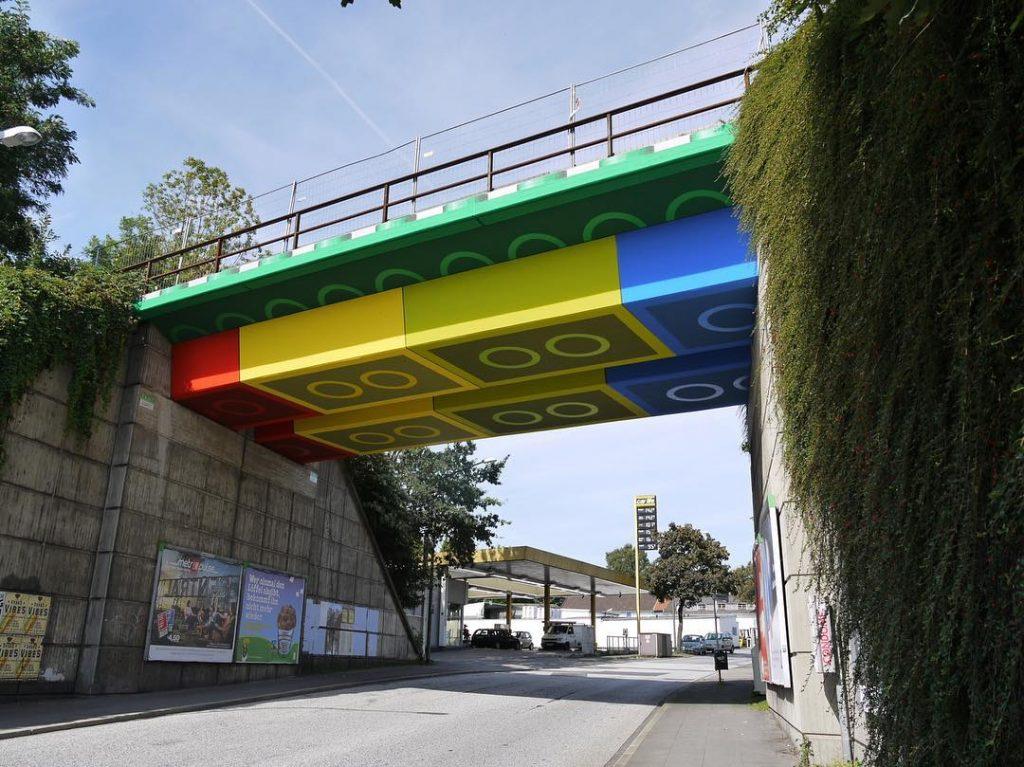 lego bruke megx street art | Collater.al