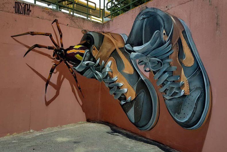 I murales di Odeith sembrano uscire dai muri