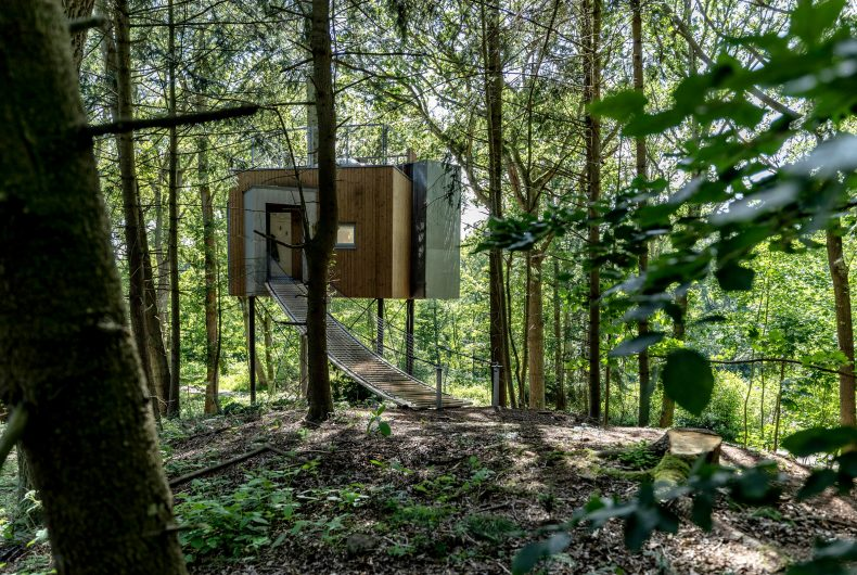 The Hotel Løvtag is made up of cabins lost in the forest