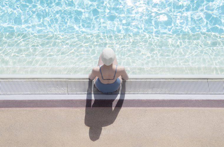 Poolside, una visuale onirica e perfetta delle piscine inglesi