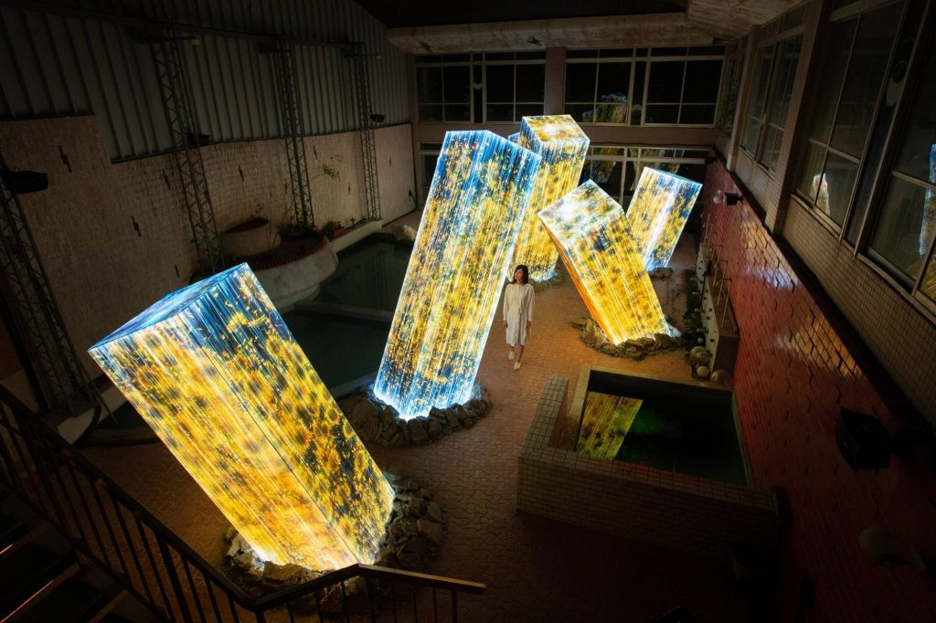 Team Lab Megaliths in the Bath House Ruins | Collater.al