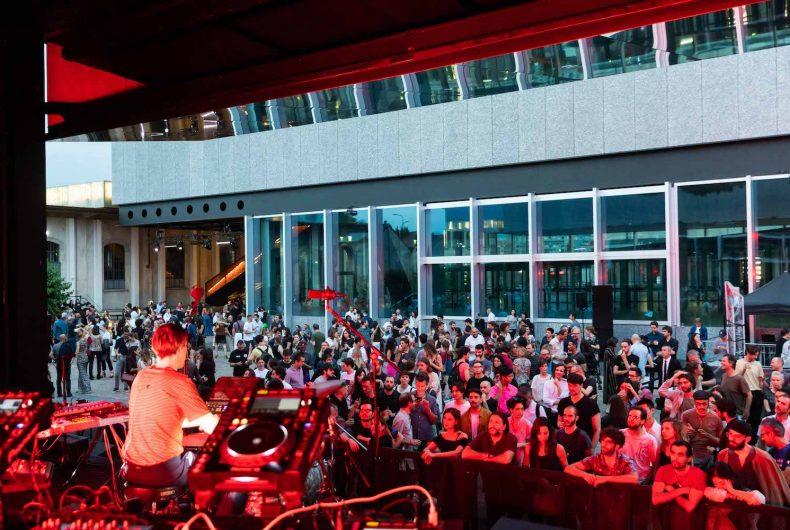 Una notte a Fondazione Prada
