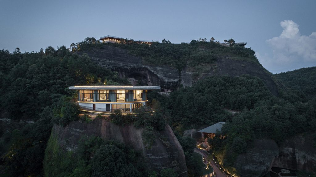 Eagle Rock Cliffs Hotel Duoxiangjie Architectural Design | Collater.al