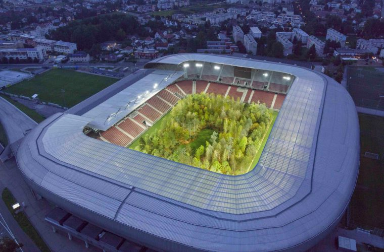 FOREST – The Unending Attraction of Nature, l'installazione che trasforma uno stadio in una foresta