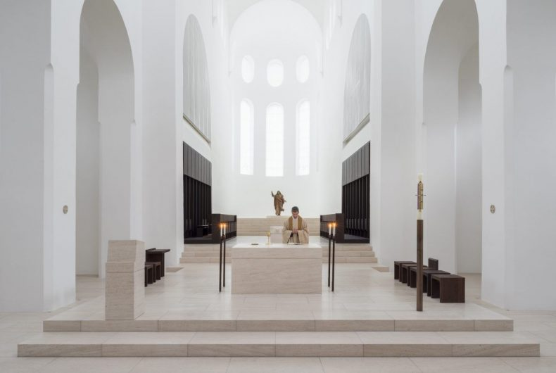Minimal restoration of the church of St. Moritz in Germany