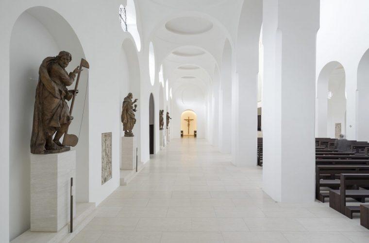 Il restauro minimal della chiesa di St. Moritz in Germania