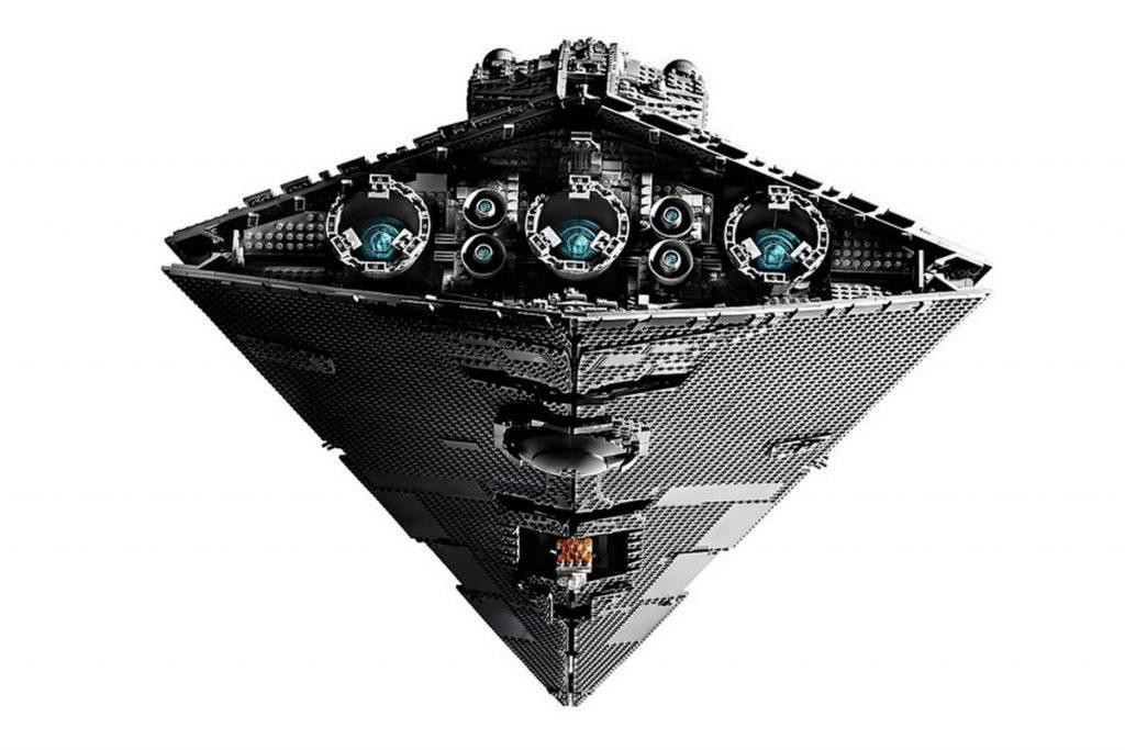 LEGO celebra Star Wars con la riproduzione dell Imperial Star Destroyer | Collater.al