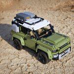 LEGO realizza una versione del nuovo Land Rover Defender | Collater.al 5