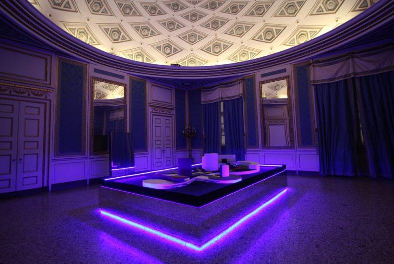 Light Project, i giochi di luce di Nanda Vigo a Milano