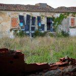 Vile-lo-street-artist-portoghese-che-illude-lo-spettatore-Collateral-2