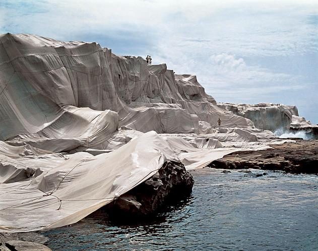 wrapped coast Christo | Collater.al