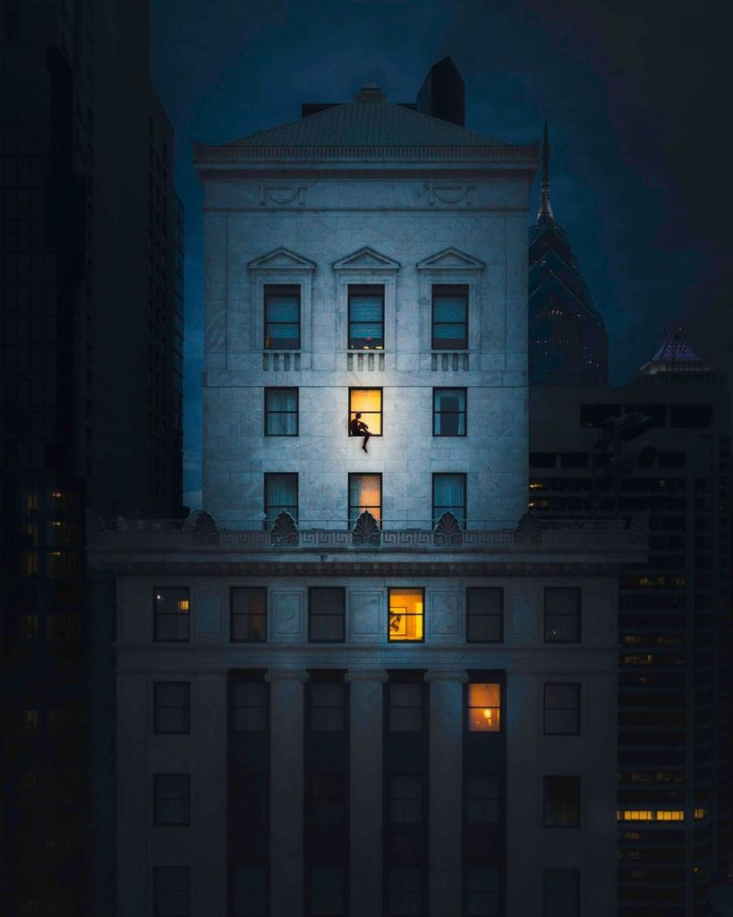 Chris Hytha, architecture is revealed at night | Collater.al