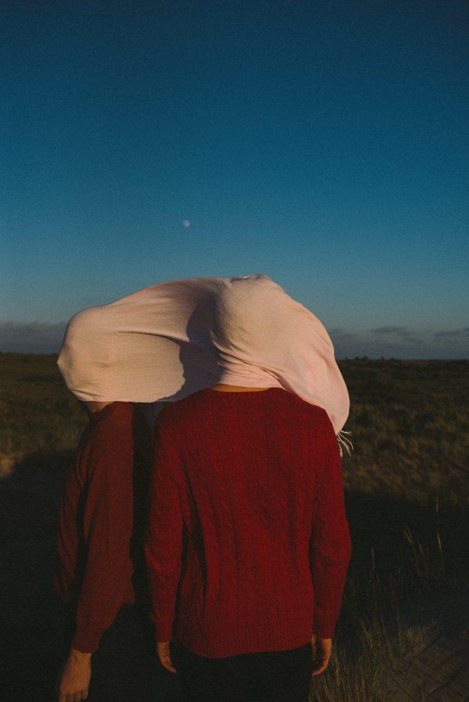 I ritratti intesi del fotografo David Van Dartel | Collater.al