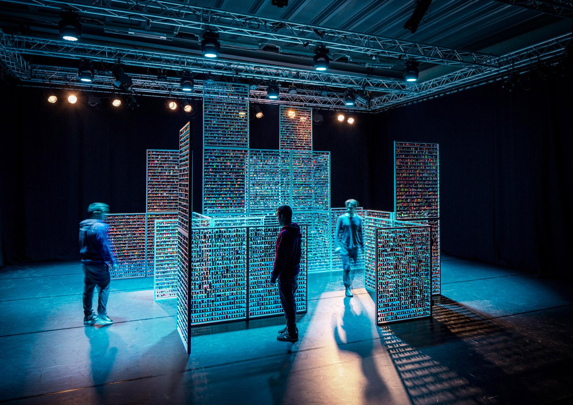 Skaparkollektivet Forma, 17,000 sculptures for the refugees