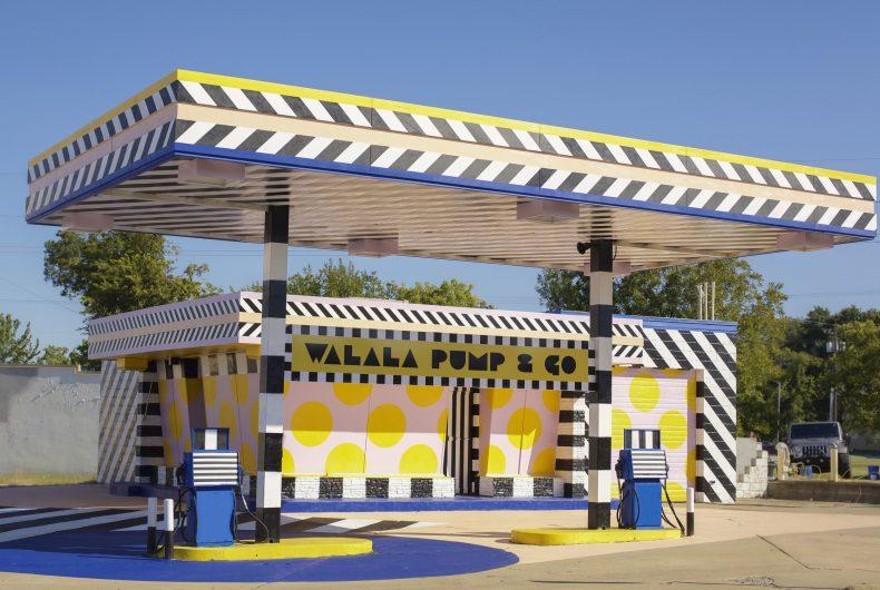 Camille Walala trasforma una stazione di servizio d'epoca