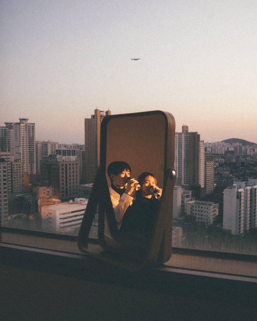Come in un film, le immagini del profilo Instagram @mild.moon | Collater.al
