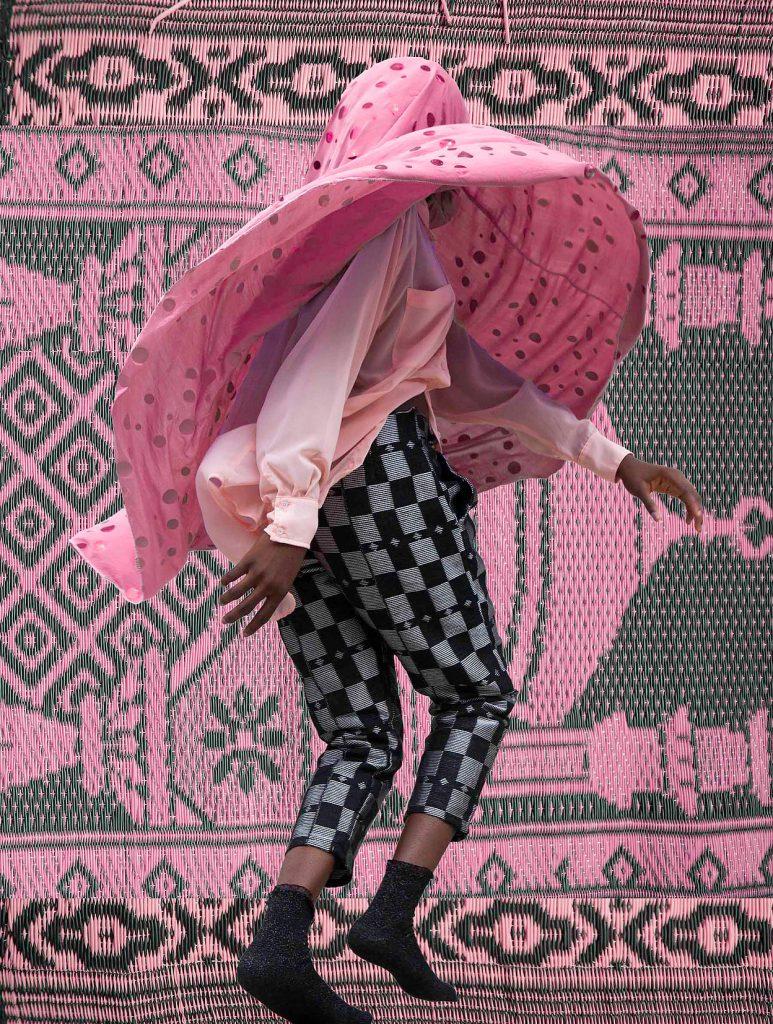 Enshroud, le donne musulmane di Medina Dugger | Collater.al