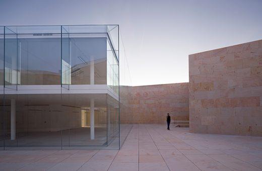 Minimalist architecture in the heart of Zamora