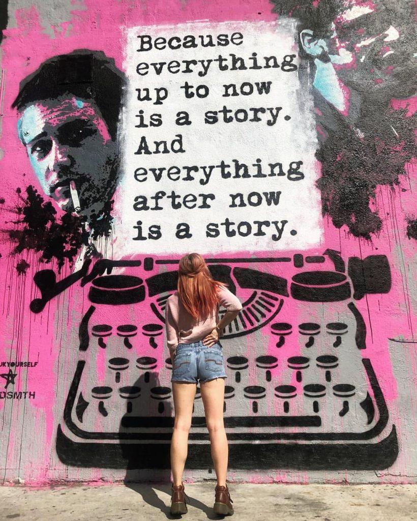 WRDSMTH è il nome di un artista poliedrico di Los Angeles che scrive sui muri pensieri e parole indelebili. Dai un'occhiata alla nostra gallery!
