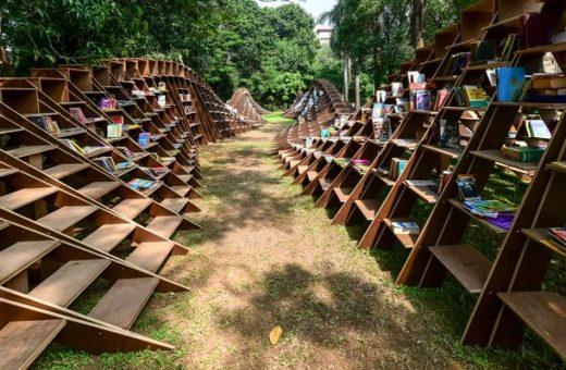 Bookworm Pavilion, il progetto di NUDES per promuovere la lettura