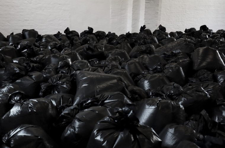 Traces, The Krank installation with 500 trash bags
