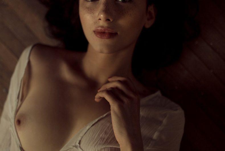 I ritratti di Ihor Ustynskyy esaltano la femminilità