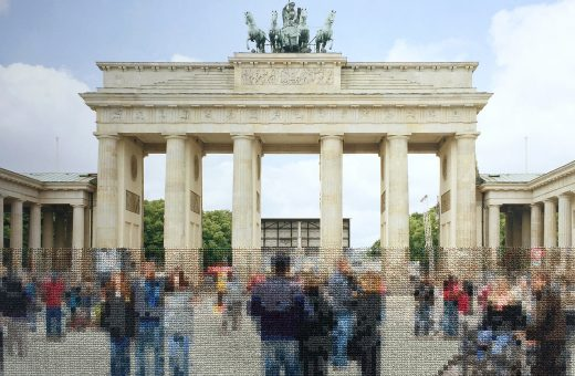 Berlin, il progetto fotografico ricamato di Diane Meyer